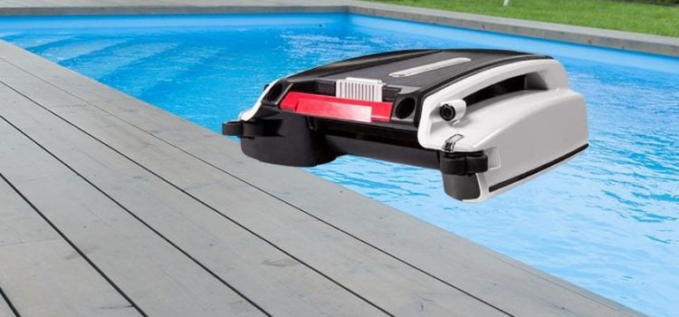 Instapark Betta automatic robotic pool cleaner reviews | Solar-powered