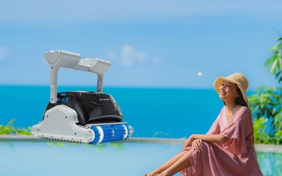 Dolphin Odyssey Commercial Robotic Pool Cleaner review