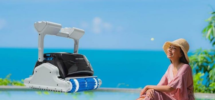 Dolphin odyssey commercial robotic pool cleaner review | Gyro & 3-motors